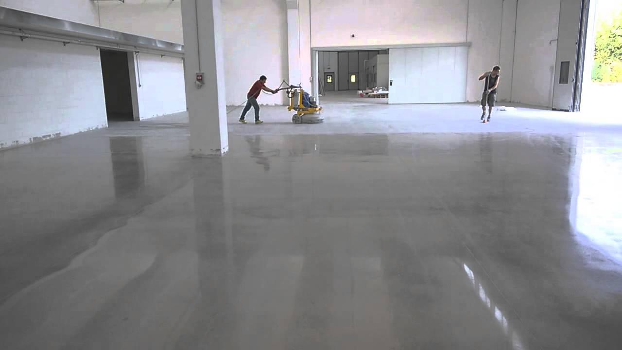 Pavimento Rosso Lucido : Detergenti per pulire il pavimento in cemento e trattamenti